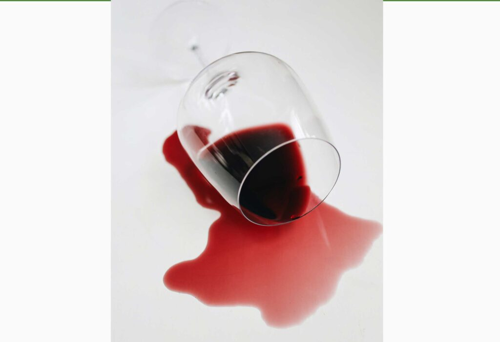 Mistake no.2 : White wine can remove red wine stains