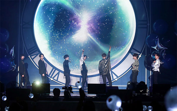 Born in a small and medium-sized brokerage company, it is the only idol group under its umbrella bts