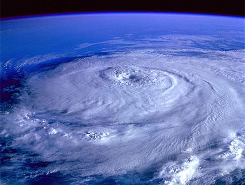 typhoon vs hurricane